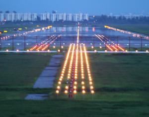 Qumak Wykona Oświetlenie Nawigacyjne Na Lotnisku Warszawa