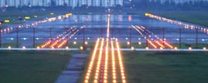 System oswietlenia nawigacyjnego lotnisko Qumak
