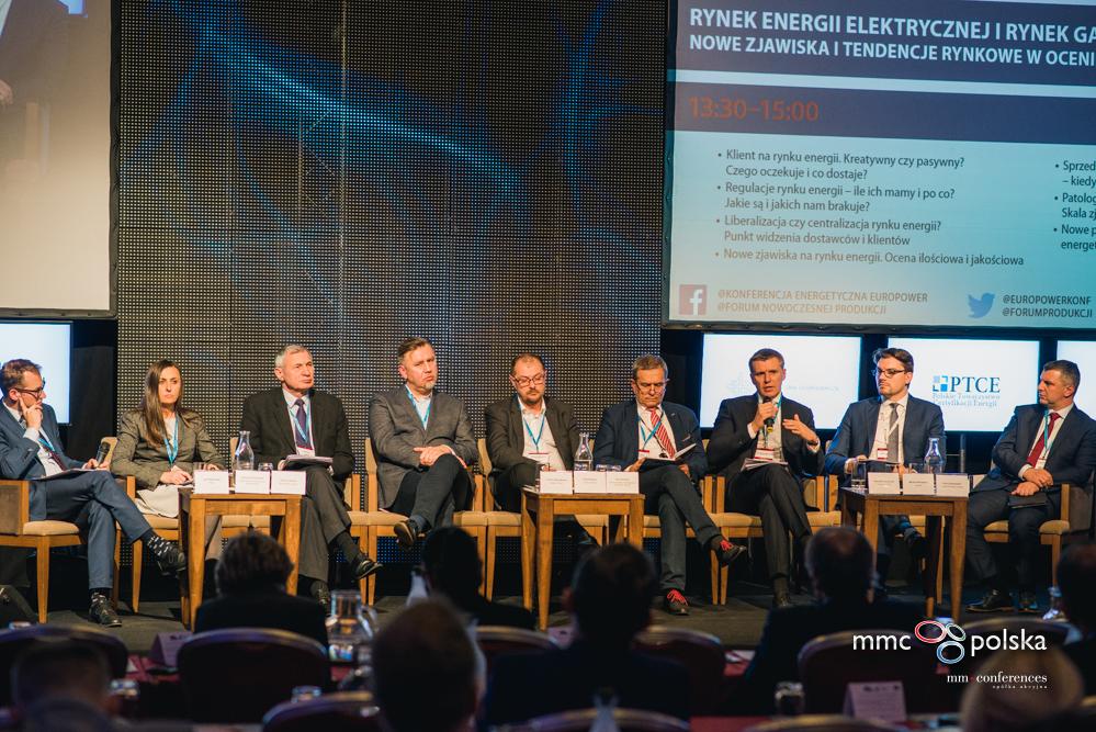 Panel dyskusyjny dotyczący rynku energii elektrycznej i rynku gazu, z udziałem Michała Wierzbickiego, z Qumak SA (fot. MMC Conferences)