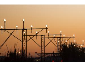 oswietlenie-nawigacyjne-i-systemy-elektroenergetyczne-dla-politechniki-rzeszowskiej-qumak